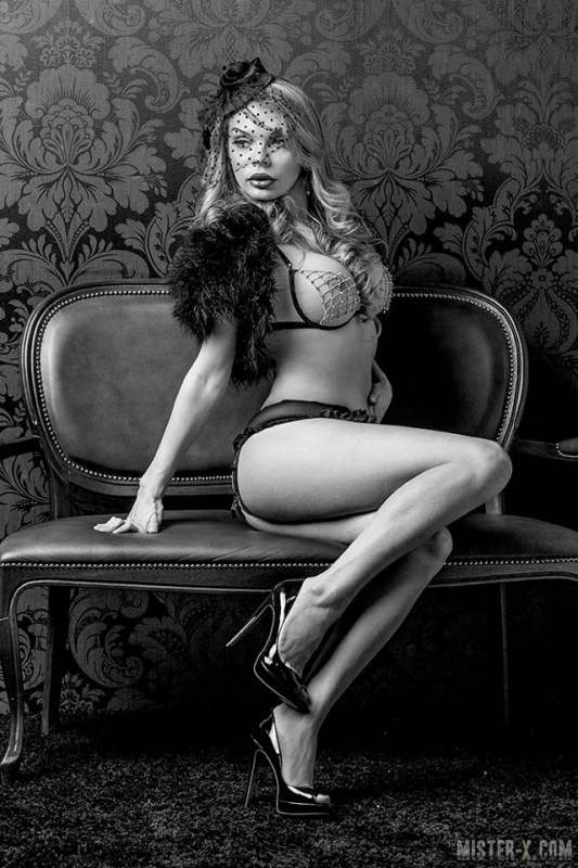 Даша Санкт-Петербург - Блондинка.